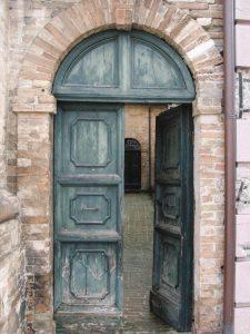old_door_mahdoor